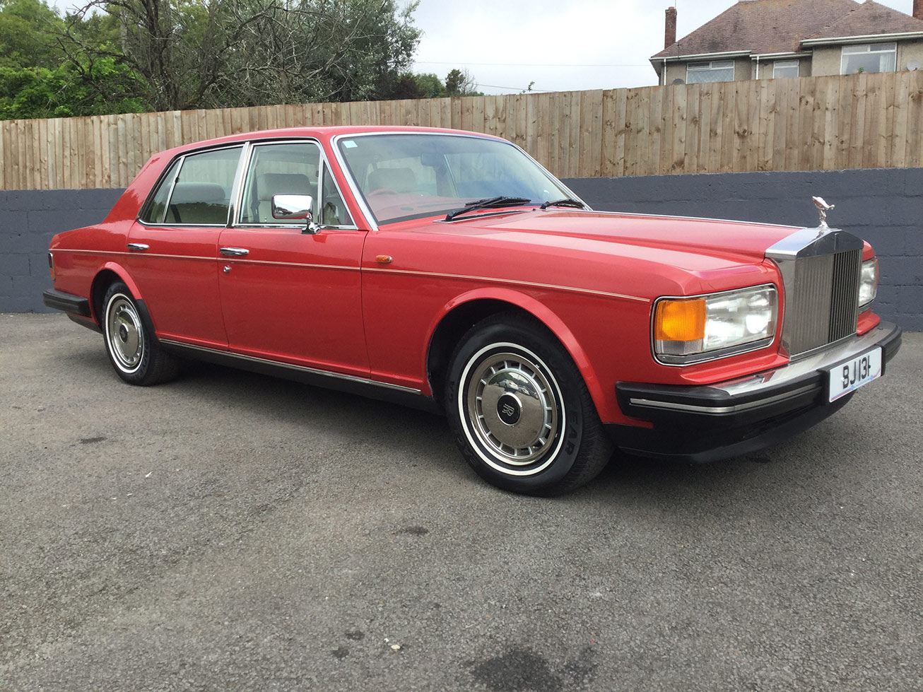 Red Rolls Royce Silver Spirit 2